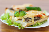 Bruschetta with mushrooms and cheese — Stok fotoğraf