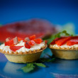 Tartlets filled with red fish — Stock Photo #36973895