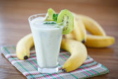 Smoothie with kiwi and banana — Stock Photo