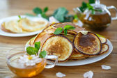 Sweet delicious pancakes — Stock Photo