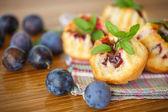 Plum muffins — Stock Photo
