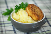 Mashed potatoes with fried cutlet  — Stock Photo