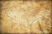 コンパスの背景を持つ高齢者の宝の地図 — ストック写真