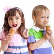 Kids group happy with cone ice cream — Stock Photo