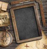 Vintage treasure map, blackboard with copyspace, old compass sti — Zdjęcie stockowe