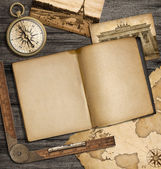Adventure nautical background with vintage map, copybook and com — 图库照片