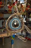 Decoración de paja tejida y plumas — Foto de Stock