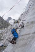 Ragazza salita sul ghiaccio — Foto Stock