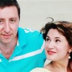 Portrait of happy mature couple outdoors — Stock Photo #14918473