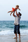 Father and daughter on vacation at sea — Stock Photo