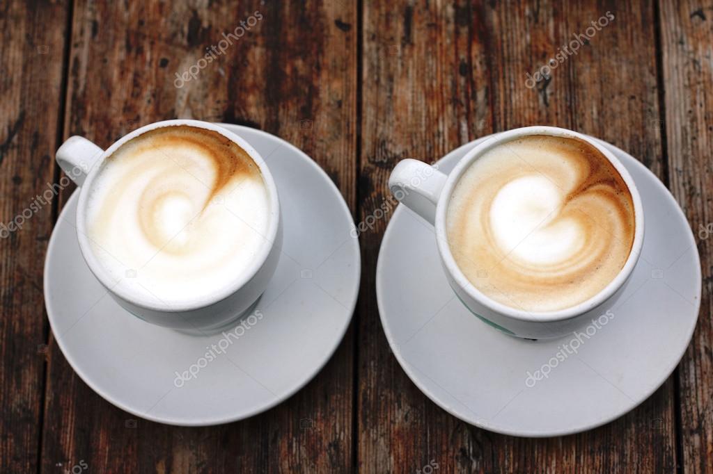 Dos Tazas De Café Capuchino
