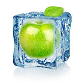 Ice cube and apple — Stock Photo