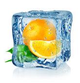 冰多维数据集和橙色 — 图库照片