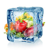 Ice cube and vegetables — 图库照片