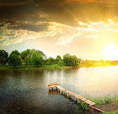 Lake in the evening — Stock Photo