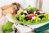 Colorful vegetable salad — Stock Photo
