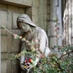 Sad woman statue — Stock Photo #13104162