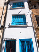 Narrow Mediterranean house facade — Stock Photo