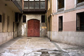 Spanish old house entrance — Stock Photo