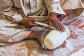 ручная обработка каменных мастерами арабской египет — Стоковое фото