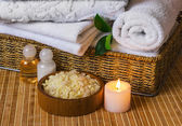 Spa with towels and candle — Foto de Stock