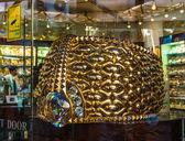 крупнейших золотое кольцо в дейре золота весом 63.85 кг — Стоковое фото