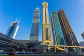 Gratte-ciels modernes, sheikh zayed road — Photo