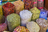 Dried herbs flowers spices in the spice souq at Deira — Foto de Stock