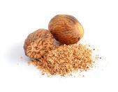 Nutmeg with shavings. — Foto de Stock