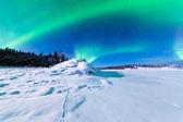 Intensa exposição da aurora boreal aurora boreal — Foto Stock
