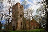 古い破壊されたゴシック様式の教会 — ストック写真