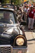レトロ車チャイカ — ストック写真