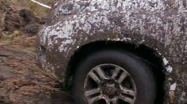 Car driving in dirt — Stock Video