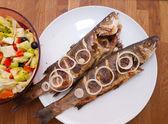 Fotografie ze dvou grilované ryby — Stock fotografie