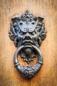 Diabeł głowa kołatka — Zdjęcie stockowe