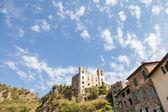 Dolceacqua średniowieczny zamek — Zdjęcie stockowe