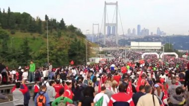 Intercontinental Istanbul Eurasia Marathon run — Stock Video