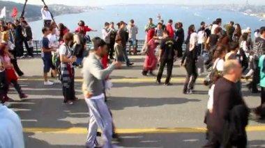 Op de bosporus-brug — Stockvideo