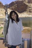 Ragazza di pesca al lago powell — Foto Stock