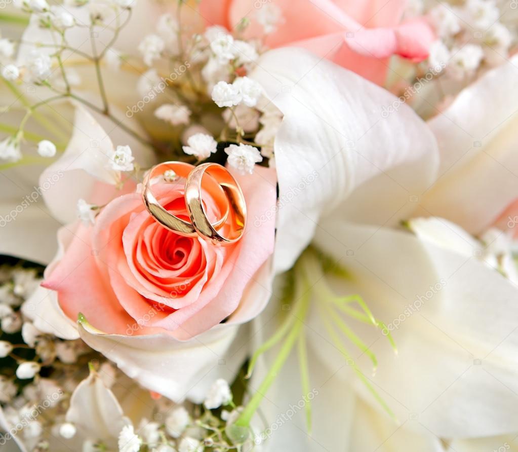 Wedding Flowers And Rings: Stock Photo © Alexust #12404785