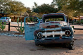 Old broken car in Solitaire town — Stock Photo