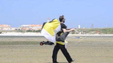 Ricardo Costa on a Kitebuggy — Stock Video