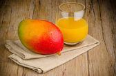 Fresh mango juice — Stock Photo