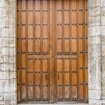 Old wooden entrance door — Stock Photo #35127221