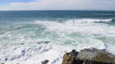 Cliffs at Azenhas do Mar, Portugal — Stock Video