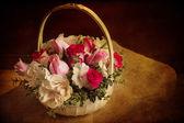 Cesto floreale — Foto Stock