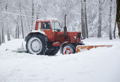 Removing snow after winter storm — Stock Photo