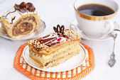 Fresh cake and morning coffee — Stock Photo
