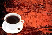 Черный кофе на темную текстуру абстрактный деревянные — Стоковое фото