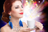 Coffee. Beautiful Woman Drinking Tea or Coffee in Cafe — Foto Stock